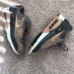 Nike Air Max 90 Tan/Rose Gold Size 8.5
